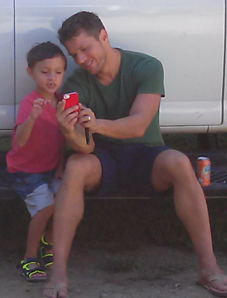 Aiden hanging with Ryan Phillippe